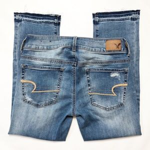 American Eagle Artist Crop Distressed Jeans SZ 6